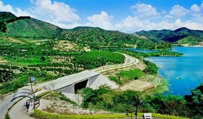 阳江市位于广东省西南沿海,现辖阳东县,阳西县,江城区,海陵岛